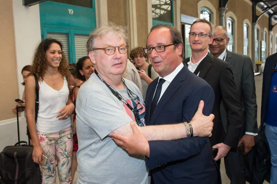 Dominique Besnehard accueille François Hollande à la gare d'Angoulême