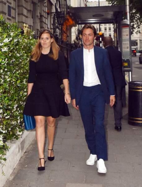 La princesse Beatrice d'York et son fiancé Edoardo Mapelli Mozzi au club Annabel's à Londres, le 9 juillet