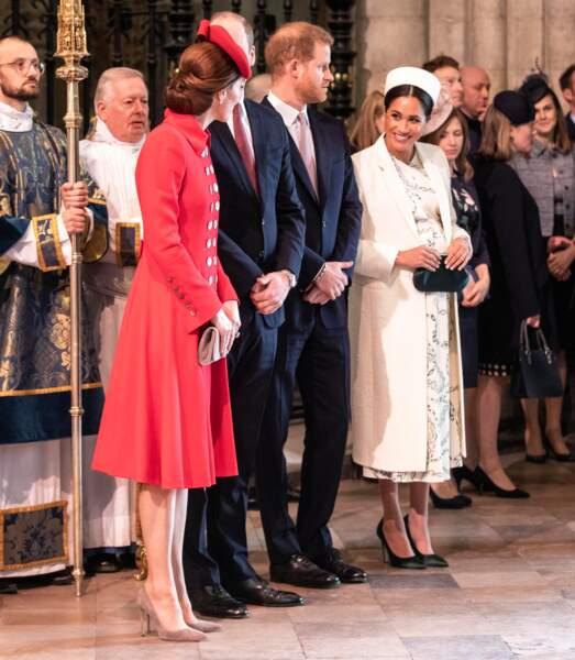 Kate Middleton et Meghan Markle échangent un sourire, l'entente est cordiale, le 11 mars 2019.