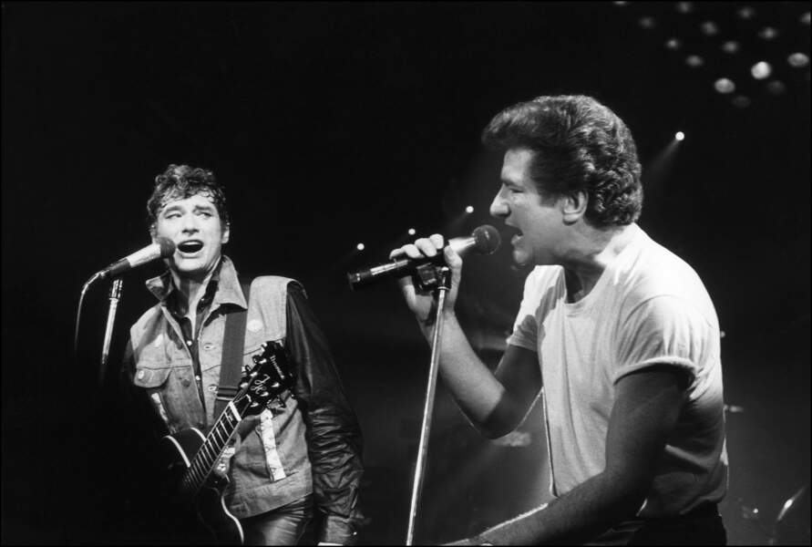 Johnny Hallyday et Eddy Mitchell sur scène en 1985
