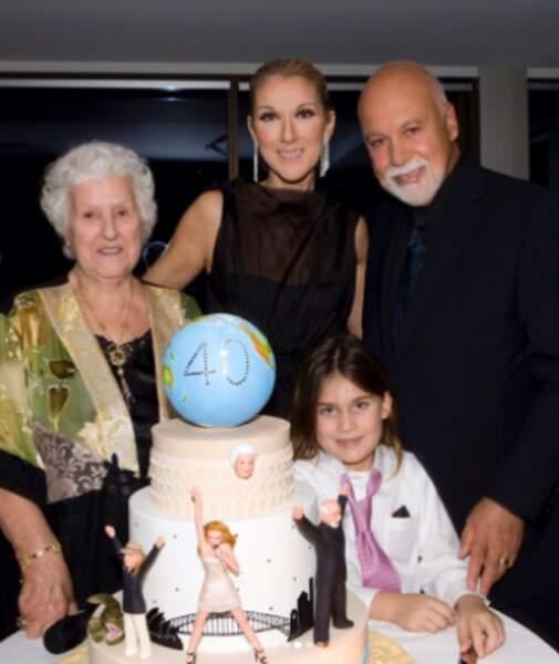 Les 40 ans de Céline fêtés en famille.
