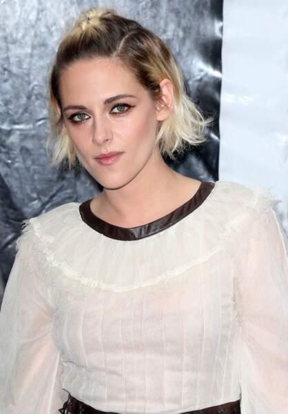 La demi-queue tressée de Kristen Stewart