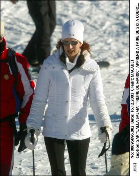 S.A.R. Lalla Salma apprend à faire du ski à Courchevel le 16 décembre 2003
