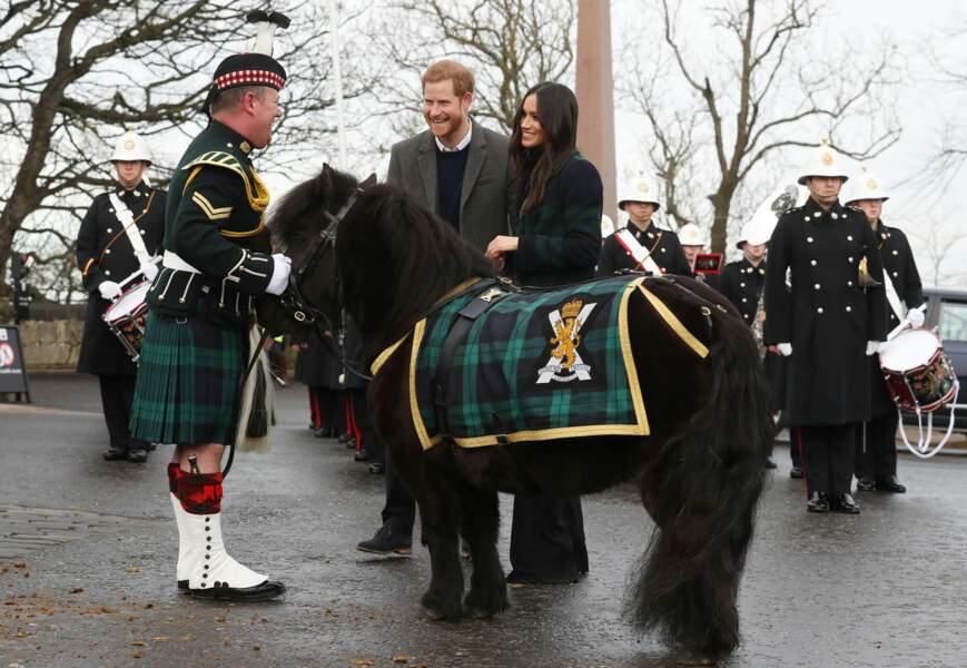 Meghan Markle et le Prince Harry lors d'une visite officielle du couple à Édimbourg en Écosse le 13/02/2018