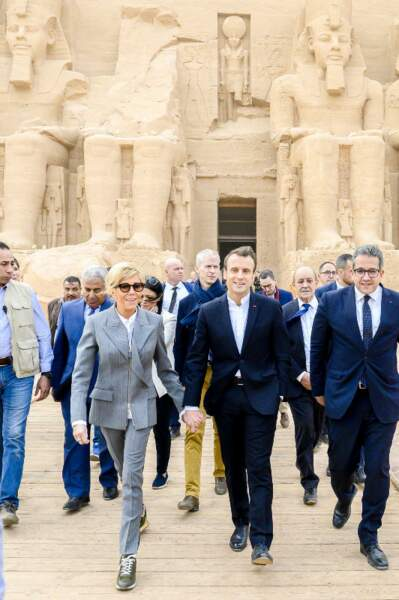 Le couple présidentiel français entamait sa visite officielle de trois jours en Egypte, au temple d'Abou Simbel