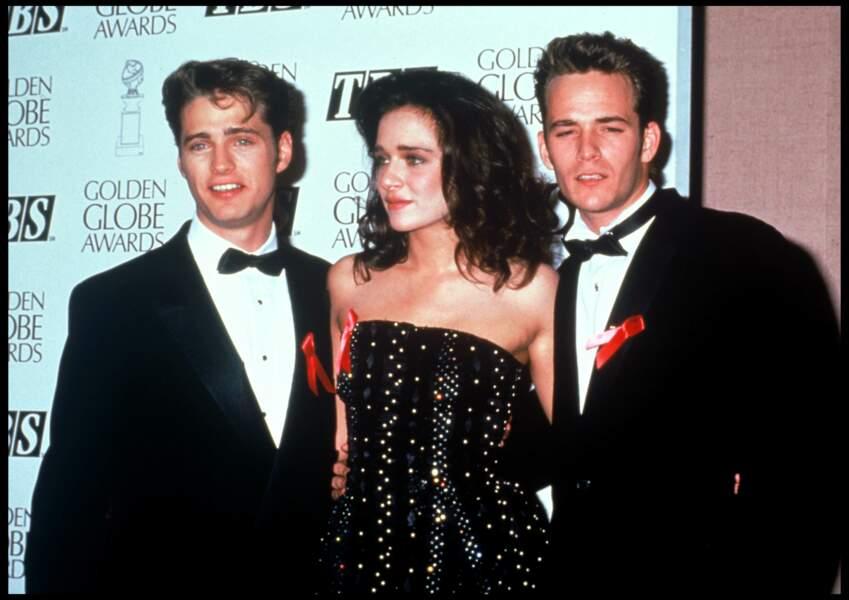 Jason Priestley, Valeria Golino et Luke Perry aux Golden Globe Awards en 1991