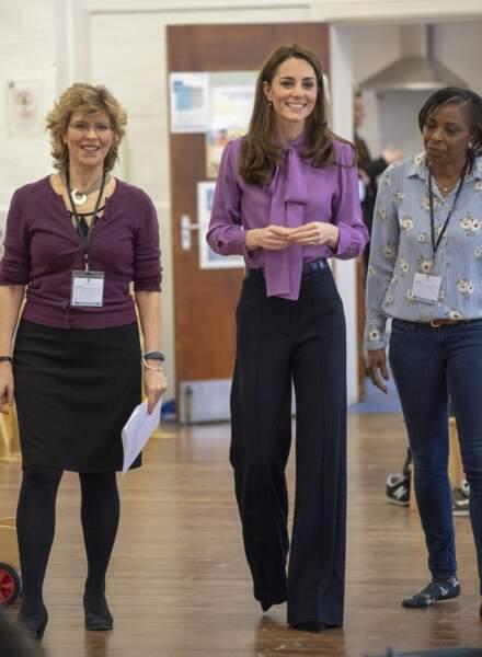Chose plutôt rare, Kate Middleton a opté ce jour-là pour un pantalon