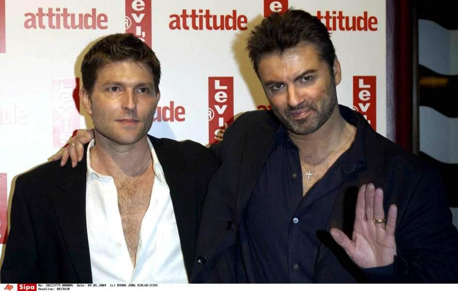 2004: George et Kenny, à Londres, pour les 10 ans du magazine gay Attitude.