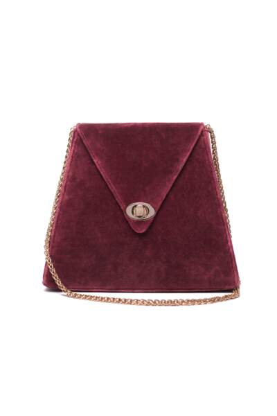 "Pyramide, petit sac en velours lie de vin ""Julie"", 190 € (Musier Paris)."