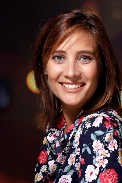 Julie de Bona est âgée de 36 ans.