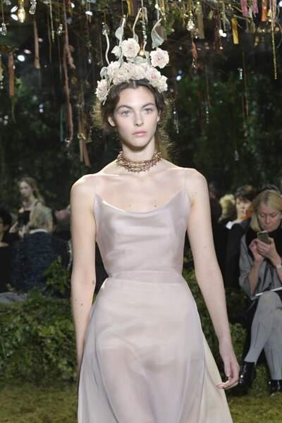 La couronne de fleurs chez Dior