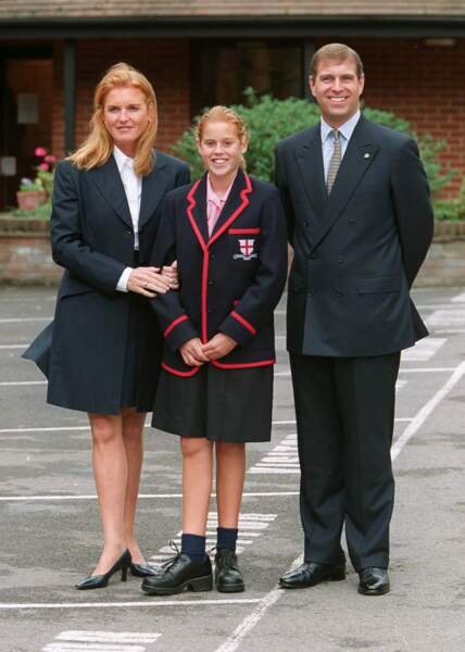 Beatrice d'York fait sa rentrée des classes à la St. George's School d'Ascot, le 6 septembre 2000