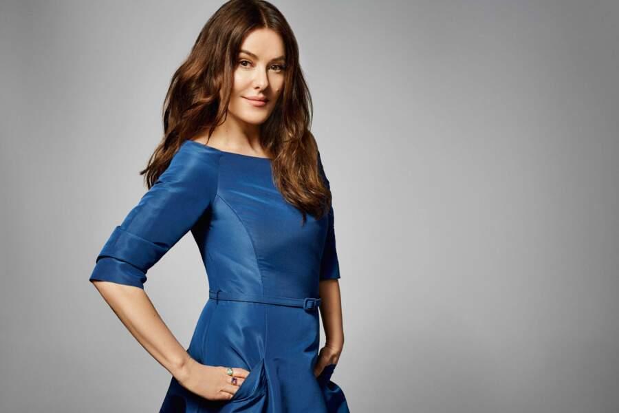 Lisa Eldrige prend la pose pour l'anniversaire de The Outnet, dans une tenue similaire au look de Kate Middleton !