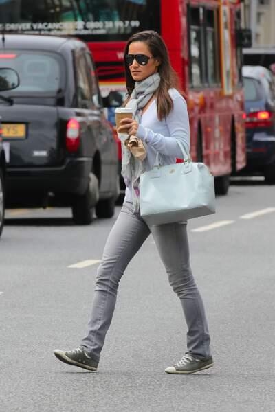 Pippa Middleton n'est pas passé à côté de la folie des converses ! Au vu de leur état d'usure, elle les adorent