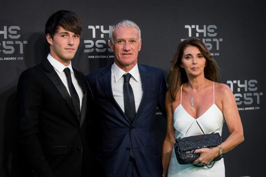Didier Deschamps entouré de sa ravissante femme Claude et de leur fils Dylan le 24 septembre 2018