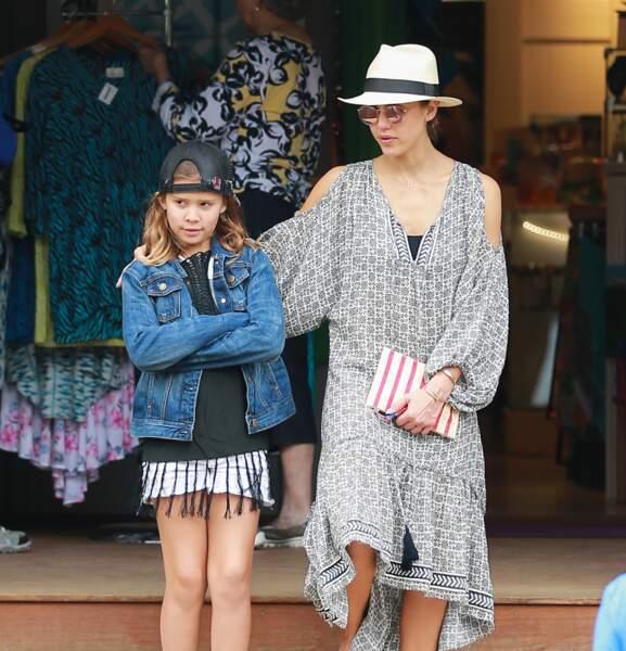 Jessica Alba avec sa fille ainée à Hawaï