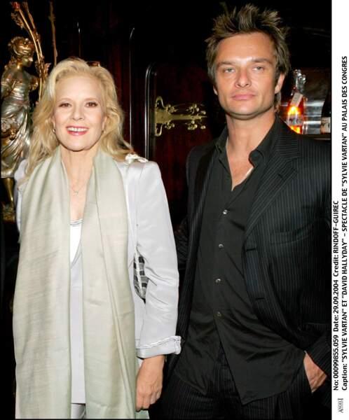 Sylvie Vartan et David Hallyday lors du concert de Sylvie au Palais des Congrès en 2004