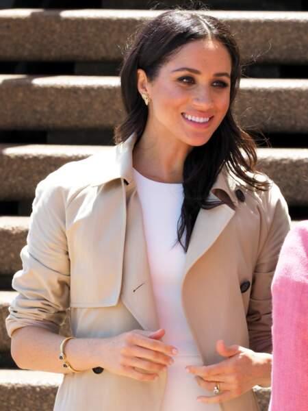 Meghan Markle avec le même bracelet à pierres bleues, à Sydney, en 2018