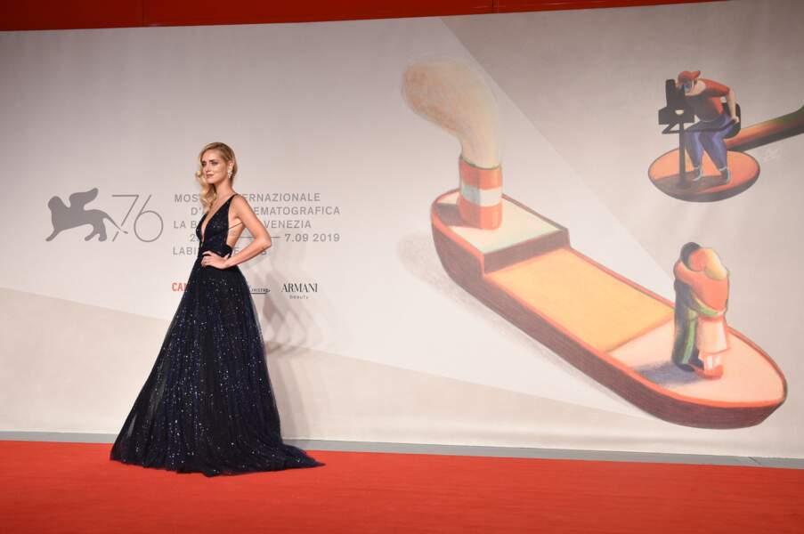 """Chiara Ferragni lors de la première du documentaire """"Chiara Ferragni - Unposted"""", en robe Dior."""