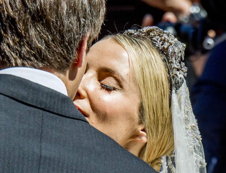 Zoom : la paupière nude et le liner qui scelle les léger faux cils de Ekaterina Malysheva