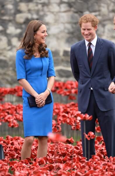 Complices, Kate Middleton et le prince Harry s'amusent, William n'est pas loin