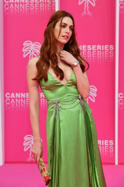 Miriam Leone, membre du jury, sublime en robe satin amande Gucci
