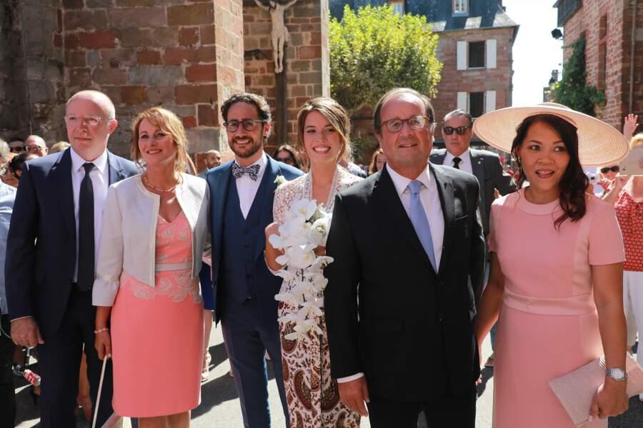 Thomas Hollande entouré de Ségolène Royal et de François Hollande le jour de son mariage ce 8 septembre 2018.