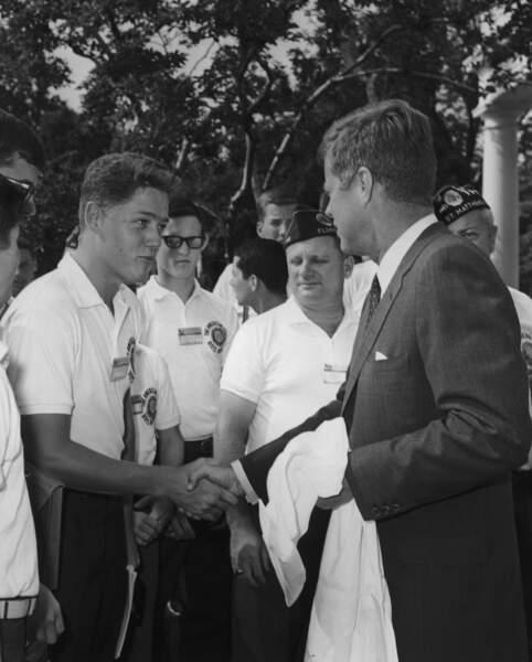 Bill Clinton, à 16 ans, rencontre le président John F. Kennedy (1963)