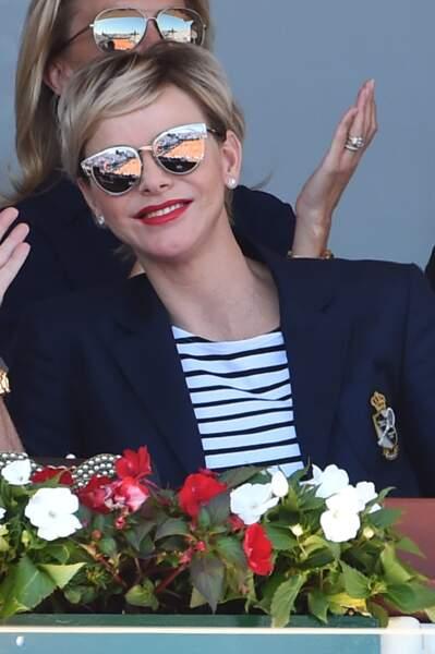 Charlène de Monaco canon avec une nouvelle coupe de cheveux plus dorée et ses lunettes dior