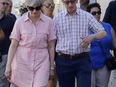 Theresa May en rose en vacances