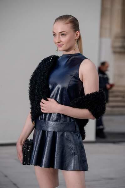 Sophie Turner, star de Game of Thrones au défilé Louis Vuitton à Paris