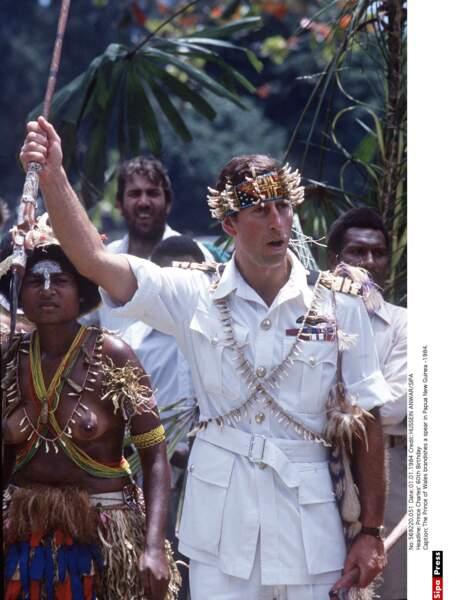 Le Prince Charles en Nouvelle Guinée en 1984