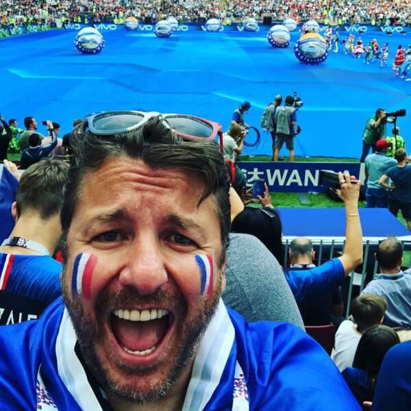 Bruno Guillon a également fait le déplacement pour supporter l'équipe de France