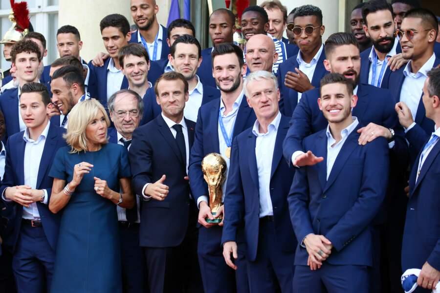 Emmanuel Macron, Didier Deschamps, Brigitte Macron, Lucas Hernandez, Olivier Giroud et Florian Thauvin.