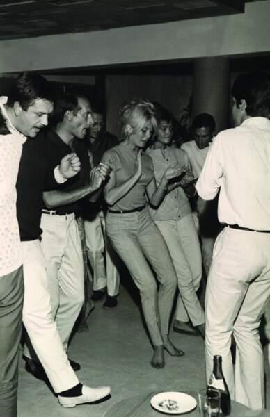 Brigitte Bardot, habituée de Saint-Tropez, s'y rendait souvent en soirée