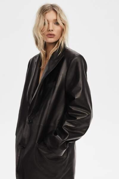 La collaboration entre l'influenceuse Elsa Hosk et J Brand promet une garde robe chic et moderne.