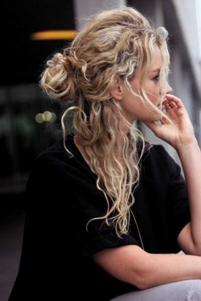 Le chignon de boucles (Pinterest)