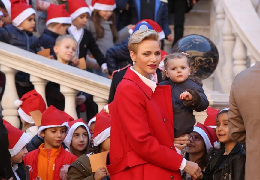 Charlene et Albert de Monaco : le Joyeux Noël des enfants du rocher avec les jumeaux princiers.
