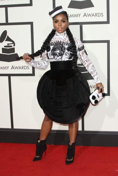 Janelle Monae ne met pas sa silhouette en valeur avec cette jupe sphérique