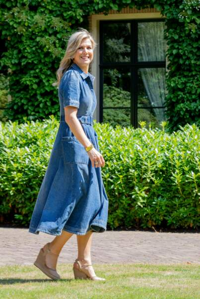 Maxima des Pays-Bas, en robe de la marque californienne CO, dans la villa royale à Wassenaar le 13 juillet 2018