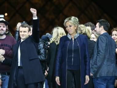 Brigitte Macron première dame lookée en Louis Vuitton place du Louvre