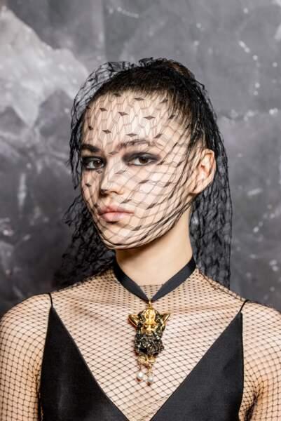le regard smoky, star du défilé Dior automne/hiver 2019/2020