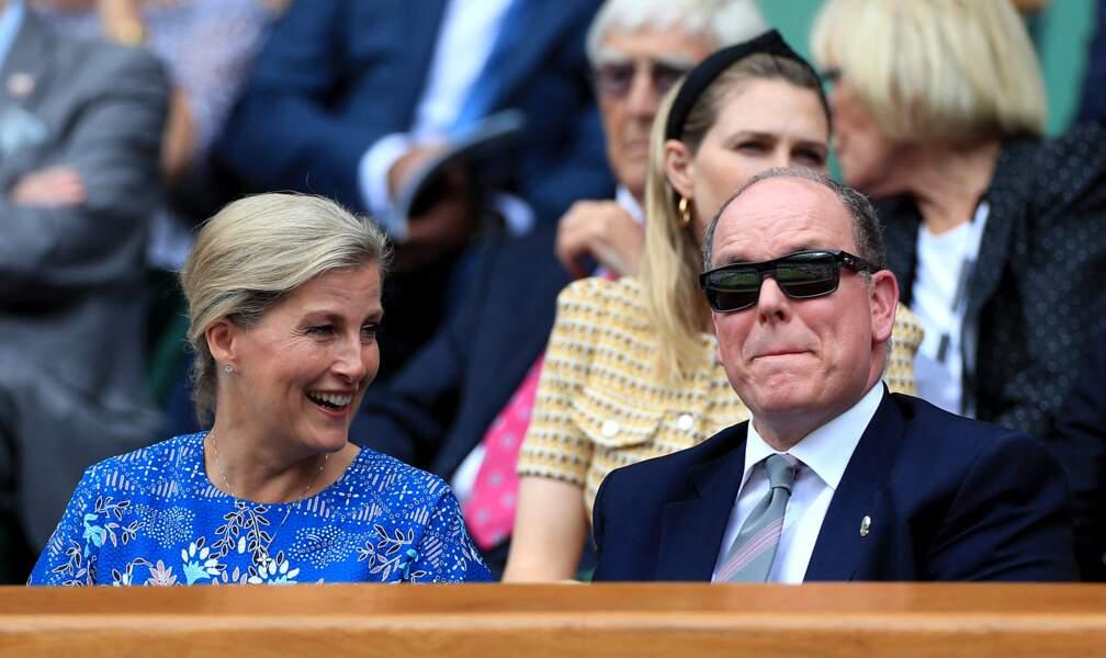 Le prince Albert et Sophie Rhys-Jones, complices dans la loge royale de Wimbledon le 10 juillet 2019