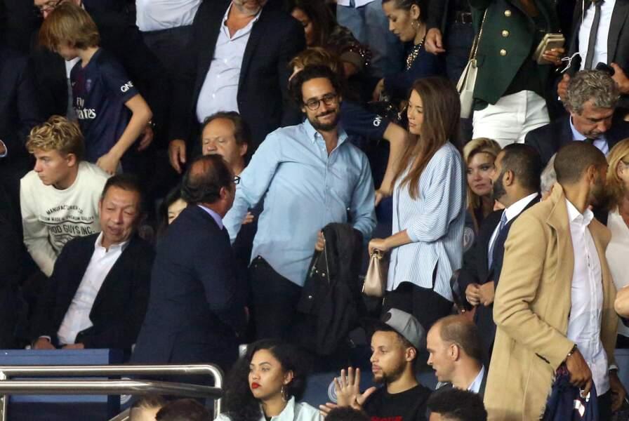 François Hollande partage cette soirée avec les amoureux