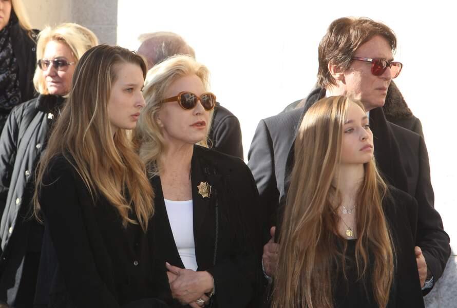 Sylvie Vartan et Tony Scotti avec les filles de David Hallyday et Estelle Lefébure : Ilona et Emma Smet en 2014