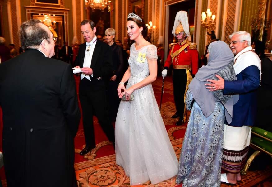 Kate Middleton éblouissante en robe Jenny Packham