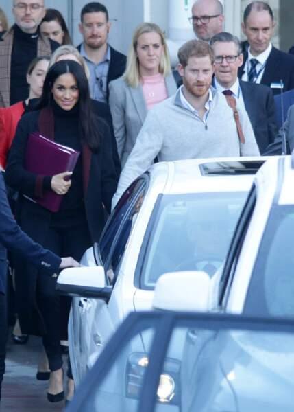 Meghan Markle enceinte : un début d'une tournée aux Antipodes bien mouvementé pour la duchesse et le prince Harry