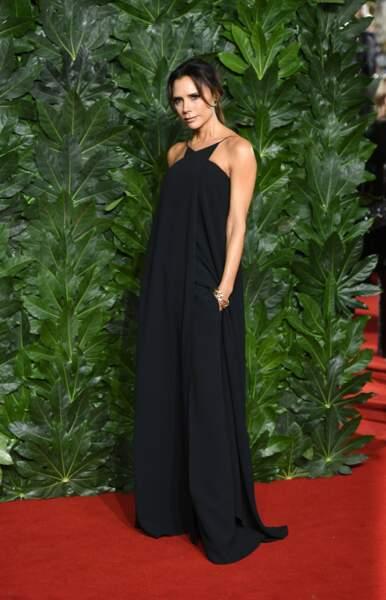 La robe fluide et extra large pour les silhouettes très fines comme Victoria Beckham