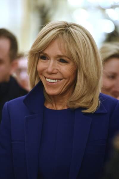 Brigitte Macron (65 ans), élégante et stylée, la première dame est un véritable atout charme pour le président