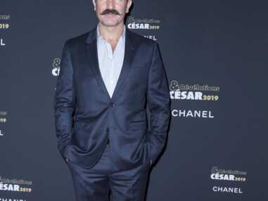 Jean Dujardin relooké : l'acteur a adopté la moustache